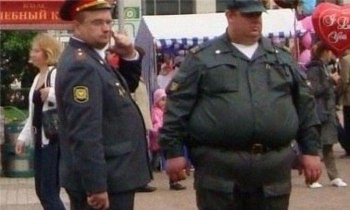 что фото прикол толстого мужика в военной форме могут использовать своих