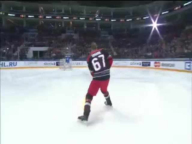 Линус Умарк и его огненная клюшка на матче звезд КХЛ