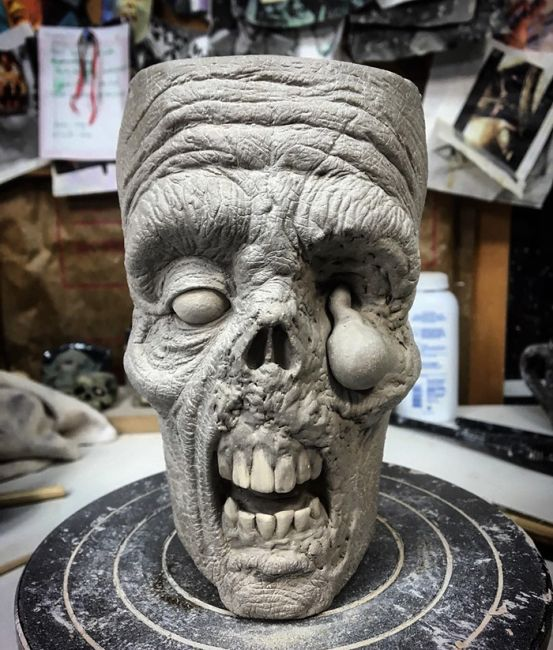 Реалистичная зомби-кружка от Кевина Мерка (10 фото)