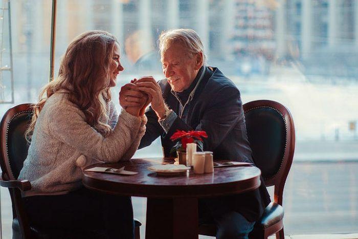 Иван Краско и его молодая жена устроили романтическую фотосессию (9 фото)