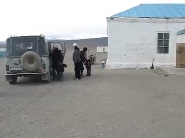 Детский «автобус» в Монголии