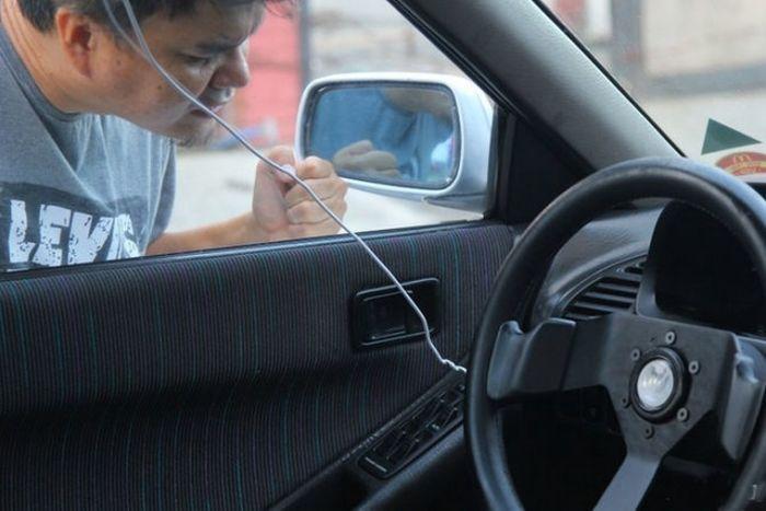 Как открыть автомобиль в ситуации, когда ключ остался в салоне (22 фото)