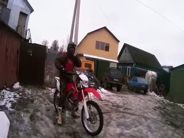 Преследование эндуро-мотоциклиста