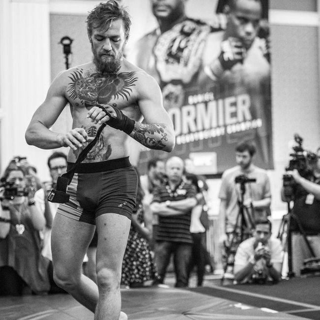 Боец смешанных боевых искусств Конор МакГрегор о своей возлюбленной Ди Девлин (4 фото)