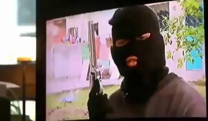 Смотреть онлайн фильм Поля Морейра «Маски революции» о перевороте в Украине