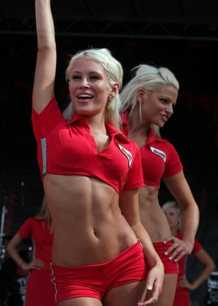 Девушки, которые не могут жить без спорта (51 фото)