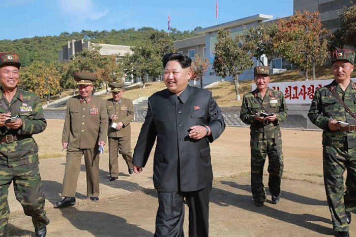 Северная Корея отправляет на территорию Южной Кореи воздушные шары с мусором и пропагандой (3 фото)