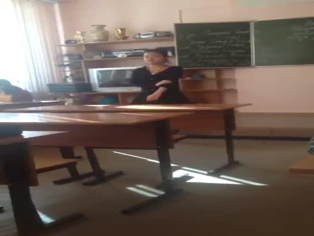 Школьница из Хабаровска выдала лирику рэпера Oxxxymiron'a за стихотворение Мандельштама