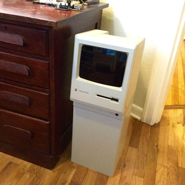 Самодельная урна из старого компьютера Apple Macintosh (26 фото)
