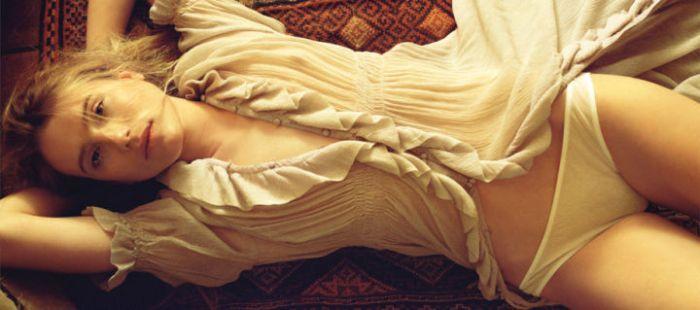 Обложка первой неэротической версии Playboy посвящена селфи и Snapchat (11 фото)