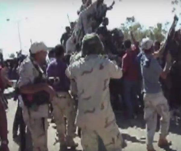 BBC опубликовало кадры последних мгновений жизни Муаммара Каддафи