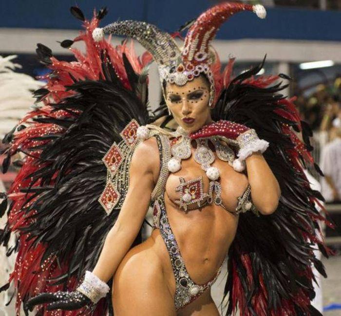 Карнавал в бразилии сиськи, с подружкой в сауне