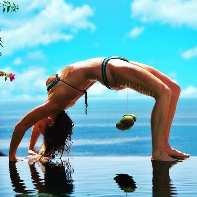 Ким Анами - женский тренер по развитию интимных мышц (11 фото)