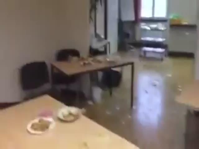 Беженцы пообедали…