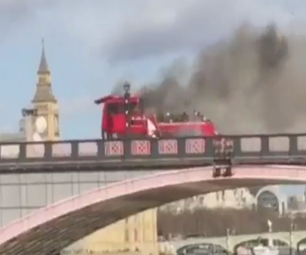 Взрыв автобуса на съемках нового фильма Джеки Чана в Лондоне