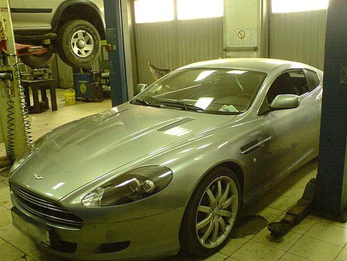 Близкое знакомство с Aston Martin, закончившееся полным разочарованием (4 фото)