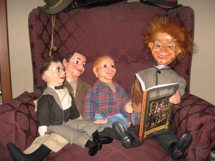 Жуткие куклы чревовещателей (15 фото)