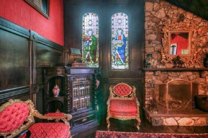 Обычный с виду дом с роскошным интерьером достойным дворца (15 фото)