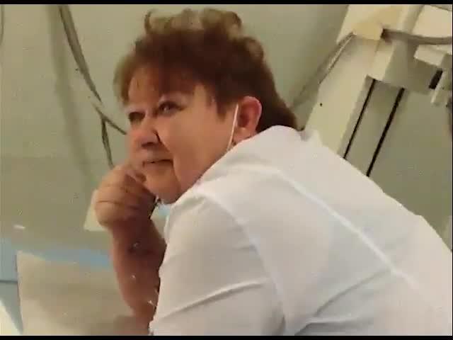 Пьяная медсестра омской поликлиники