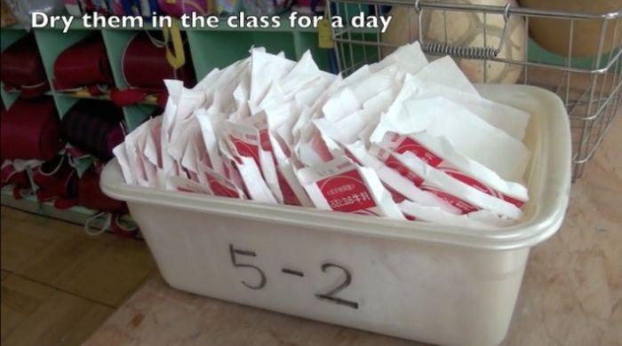 Обед в обычной японской школе (9 фото)
