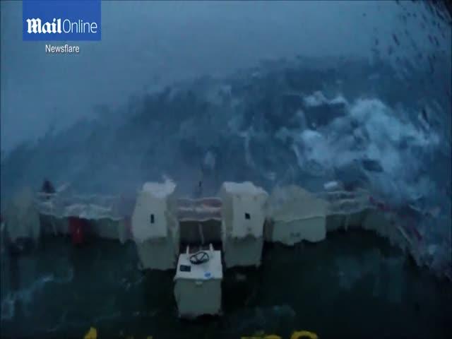 Съемка шторма с капитанского мостика