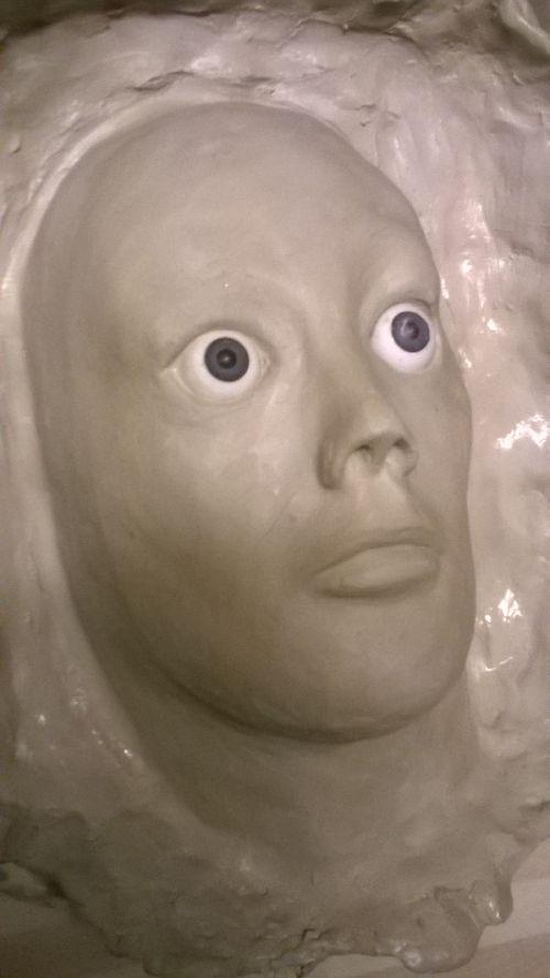 Жуткая реалистичная маска для розыгрыша друзей (5 фото)