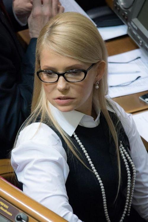 Юлия Тимошенко кардинально изменила имидж, отказавшись от фирменной косы (4 фото)