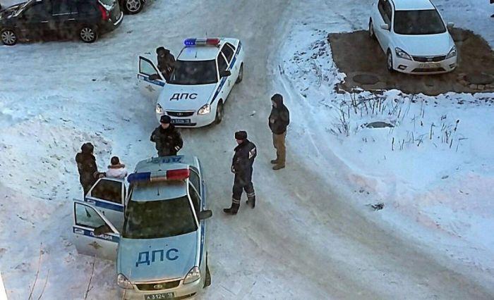 В Ижевске беременная женщина отправится под суд из-за конфликта с инспекторами ГИБДД (3 фото + видео)