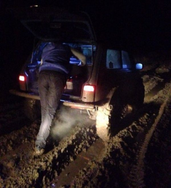 Волгоградец посреди ночи отправился за 150 км от дома, чтобы помочь незнакомым ему людям (6 фото + текст)