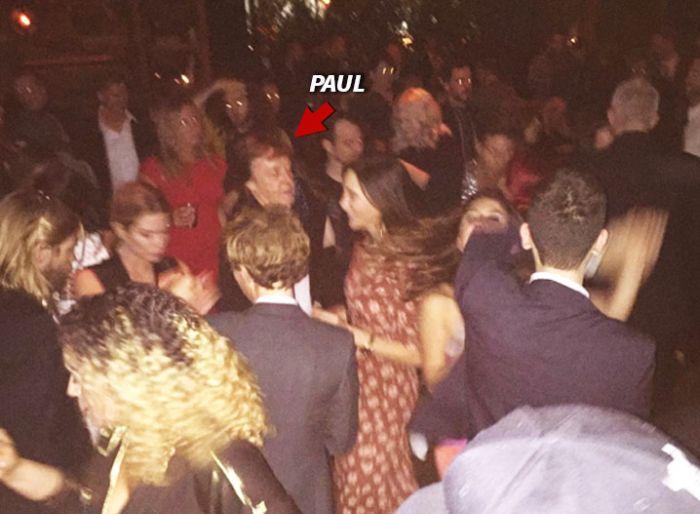 Пол Маккартни не прошел фейс-контроль в одном из клубов Голливуда (2 фото)