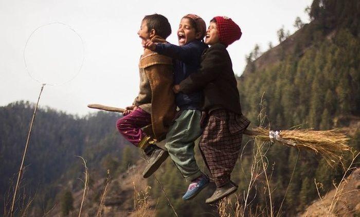 Деревенский учитель из Индии устроил ученикам волшебную фотосессию по мотивам фильмов о «Гарри Поттере» (7 фото)