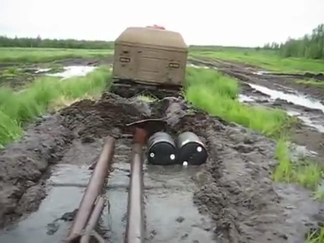 Вездеход «Витязь» преодолевает болото