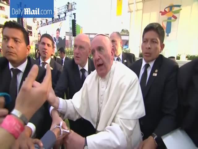 В Мексике толпа верующих вывела из себя Папу Римского Франциска