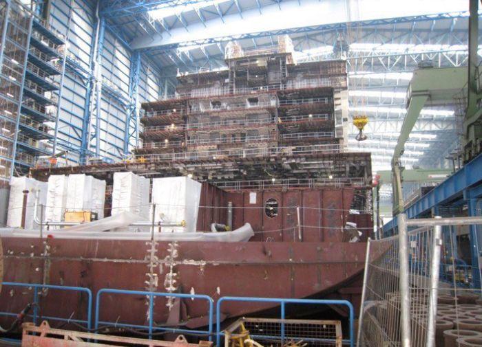 Строительство круизного лайнера на норвежской верфи (9 фото)