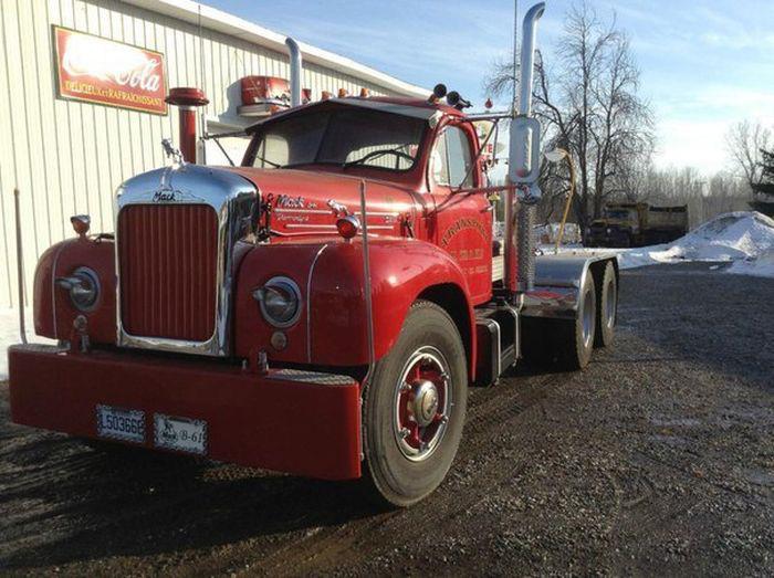 15-ступенчатая механическая коробка передач на старом грузовике (2 фото + видео)