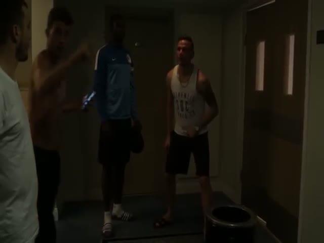 Прикольная шутка молдавских футболистов