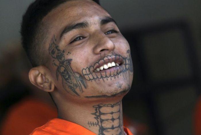 Прогулка по мексиканской тюрьме строгого режима (24 фото)