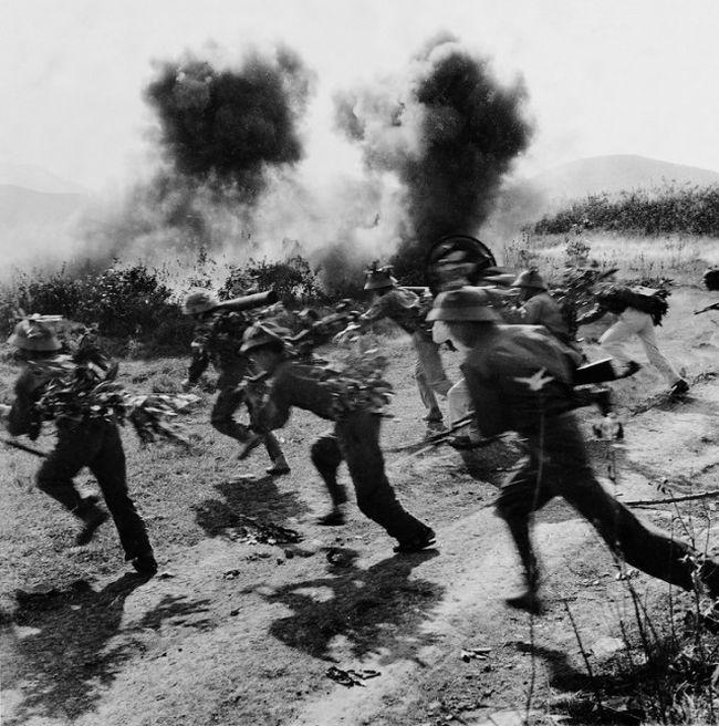 Редкие снимки вьетнамской войны, сделанные противниками армии США (16 фото)