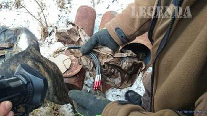 Тайник немецких диверсантов, обнаруженный спустя 70 лет после окончания войны (58 фото)