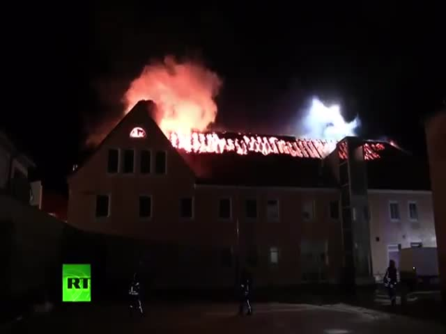 Немцы мешали пожарным тушить гостиницу для беженцев