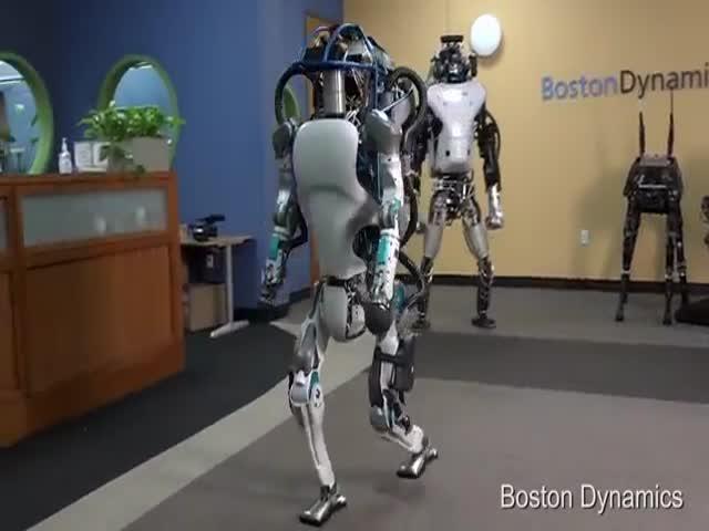 Boston Dynamics представил новое поколение роботов-гуманоидов