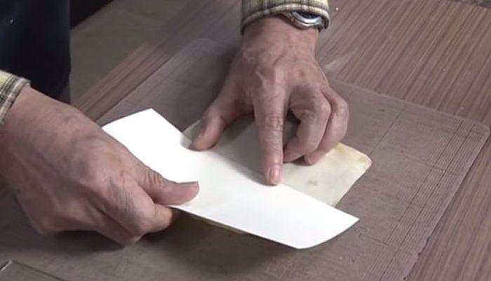 Японец реставрирует старые книги (14 фото)