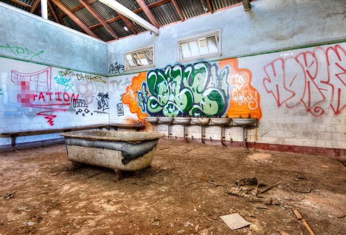 Таинственные заброшенные места на фото Скотта Маккартена (33 фото)