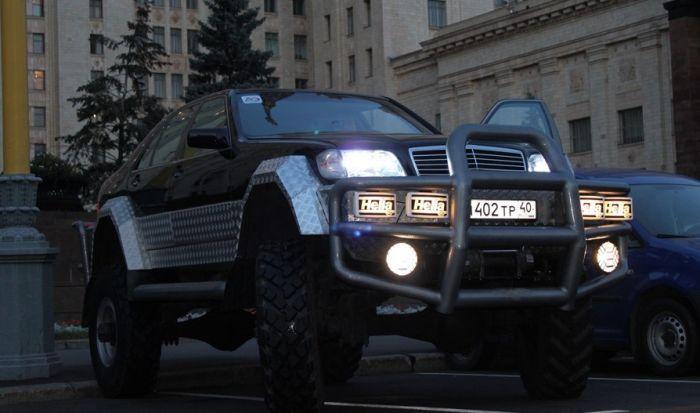 Уникальный гибрид из Mercedes-Benz S500 W140 и ГАЗ-66 (30 фото)