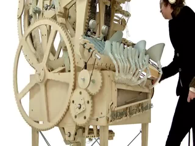 Музыкальная машина Marble Machine от группы Wintergatan