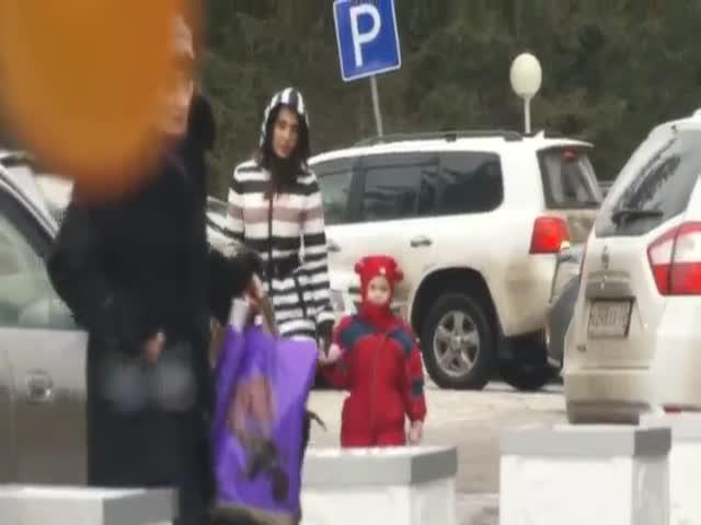 Социальный эксперимент: легко ли похитить ребенка?