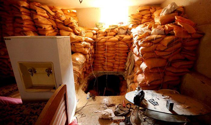 В освобожденном от ИГИЛ городе Синджар нашли разветвленную сеть подземных тоннелей (7 фото)