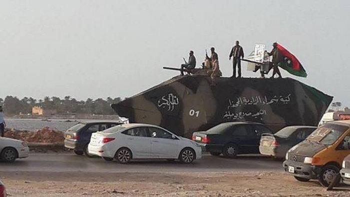 Самодельный бронетранспортер сил специального назначения Ливии (5 фото)