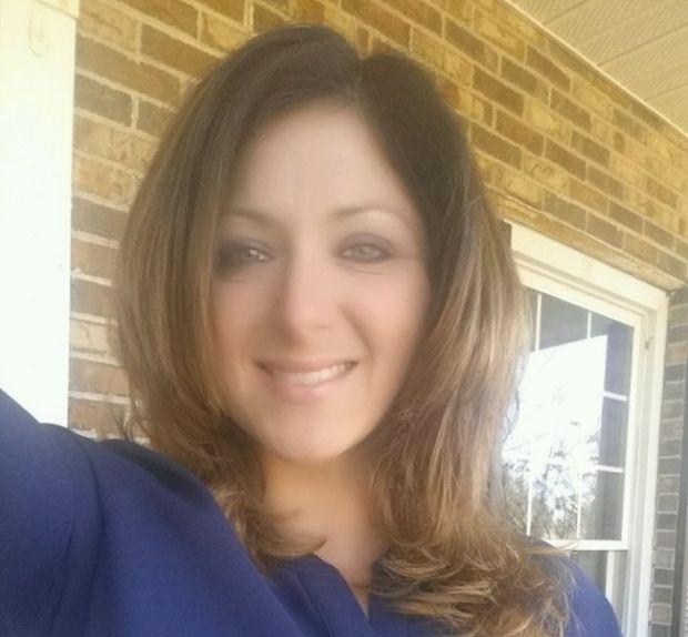 В США учительницу уволили с работы за то, что школьник распространил ее откровенные фото (3 фото)