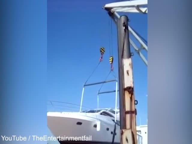 Крушение яхты стоимостью в миллион долларов